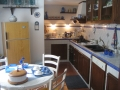 Bed and Breakfast in der Innenstadt von Zafferana, Red room: kitchen.